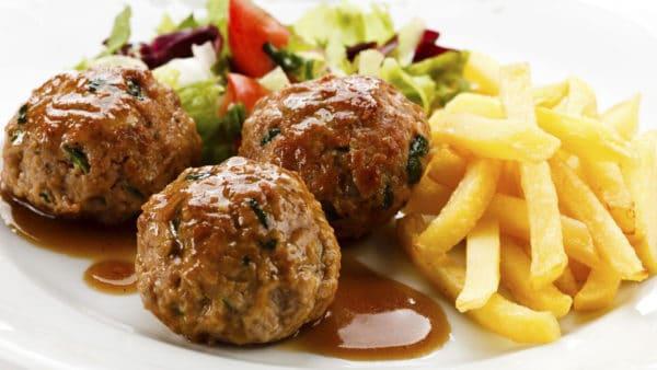 Hét recept voor Luikse balletjes in een heerlijke saus!