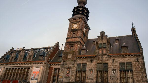 Stadhuis en Belfort in Binche