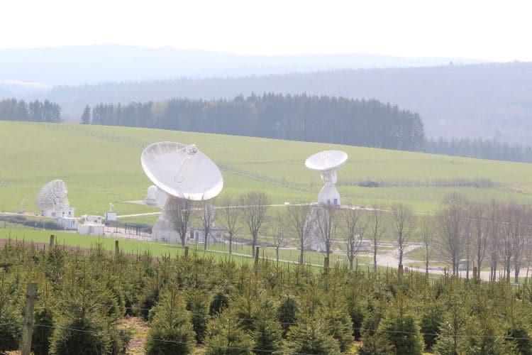 Uitzicht op de ESA antennes