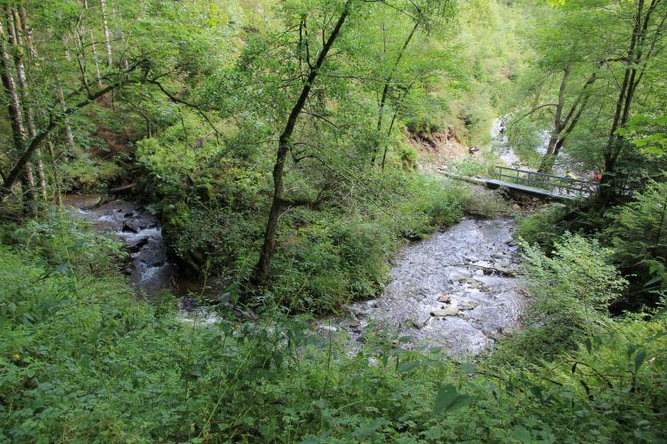 wandelen in de vallei van de Bayehon