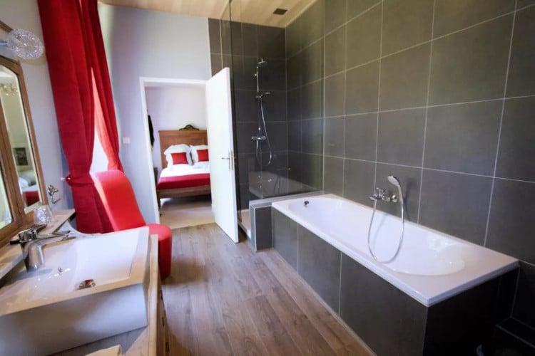 Mooie badkamer Château D'Aviette