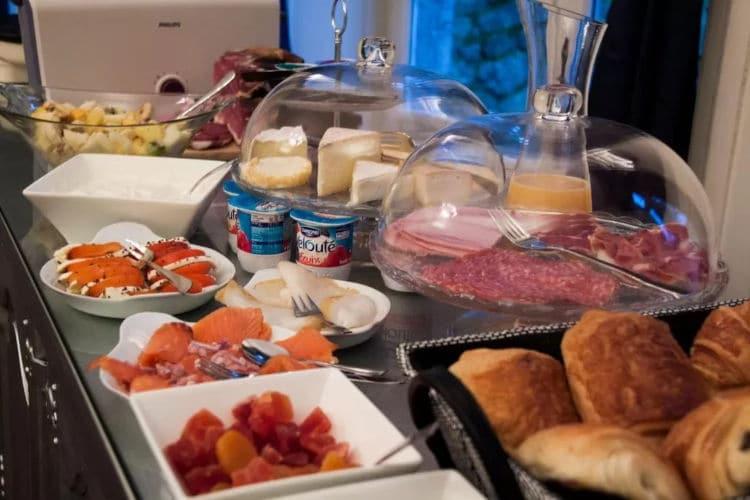 Uitgebreid ontbijt buffet Château D'Aviette