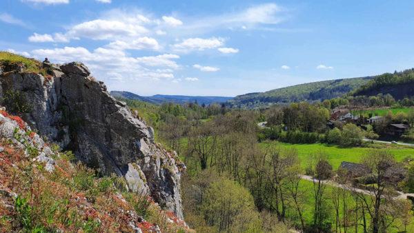 Spannende wandeling over de rotsen van Hotton