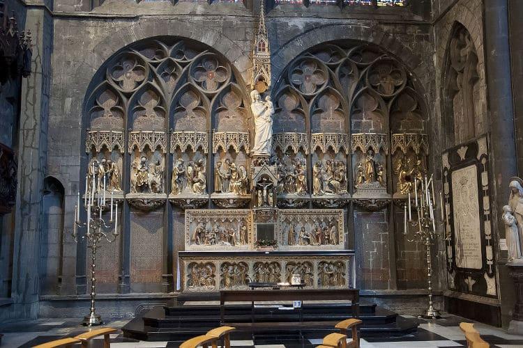 Collegiale Notre-Damekerk van Hoei zijaltaar